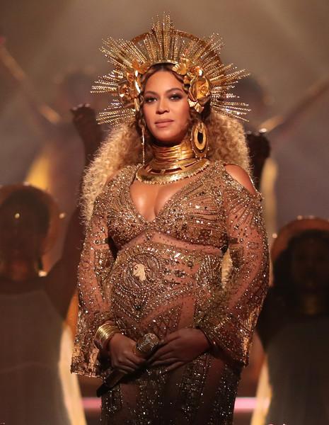 Kim Kardashian celosa de Beyonce embarazada de gemelos?