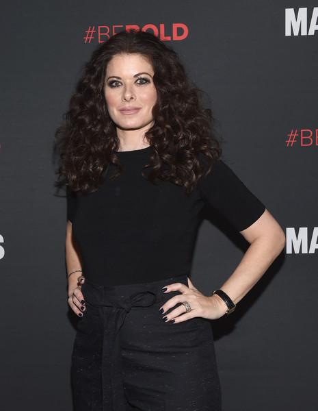 Debra Messing acusa a director Alfonso Arau de humillarla