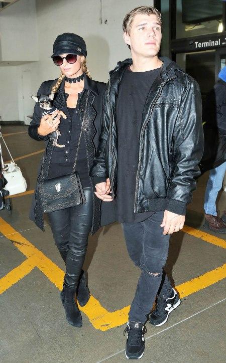 París Hilton saliendo con Chris Zylka