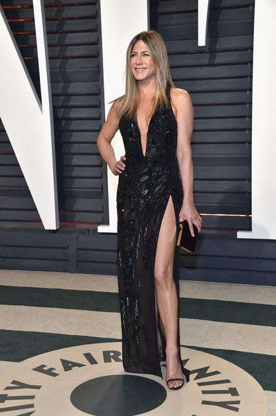 Jennifer Aniston hablando con Brad Pitt? Embarazada?