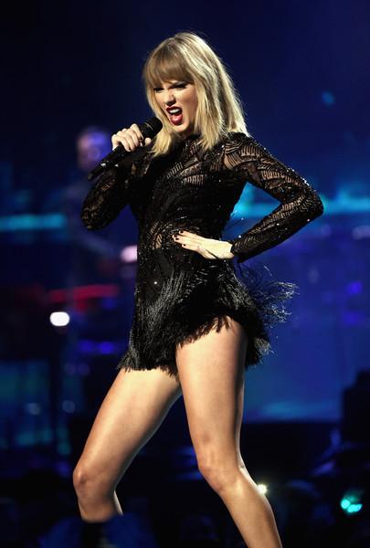 Fan obsesionado acosador de Taylor Swift arrestado!