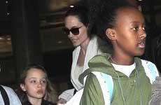 Angelina Jolie usando a sus hijos para mejorar su imagen?