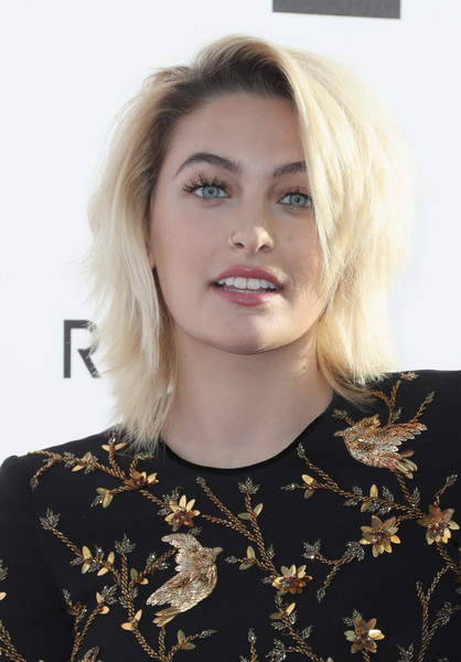 Paris Jackson en los GLAAD Awards