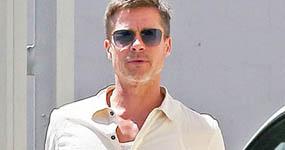 Brad Pitt caminando por L.A – Más flaco? lol!