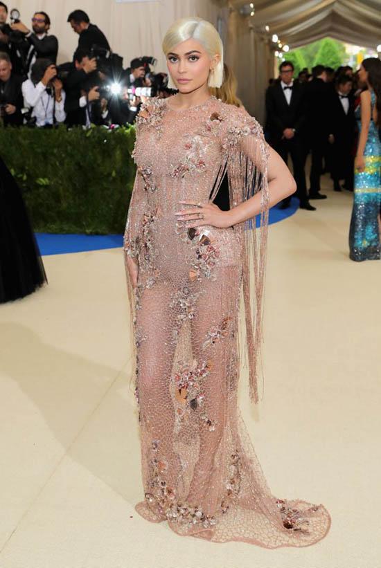 Kim Kardashian Met Gala 2017 - Kylie, Kendall Jenner, Emily, Nicki