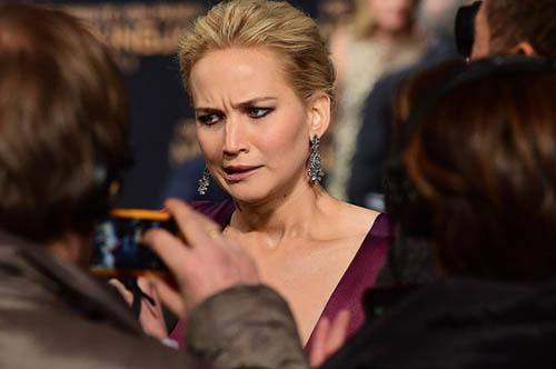 Jennifer Lawrence bailando en un strip club - No se arrepiente! LOL!