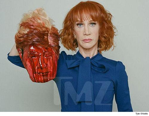 Kathy Griffin posa con la cabeza decapitada de Trump – WTF?
