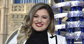 Kelly Clarkson se une a The Voice, no American Idol – WHAT?