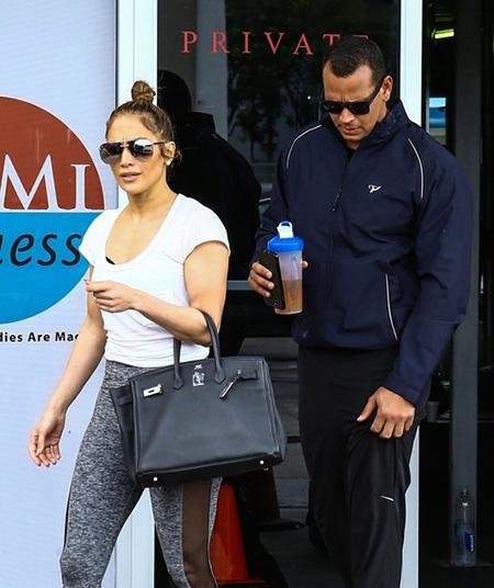 SCANDAL!! Alex Rodriguez es infiel a Jennifer Lopez!!