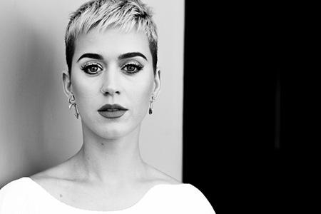 Katy Perry no es Buda! Sigue hablando de Taylor Swift (NME)