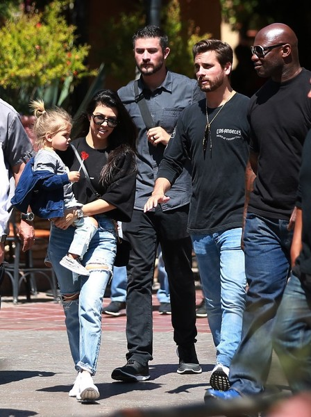 Kourtney Kardashian y Scott Disick no se hablan! LOL!