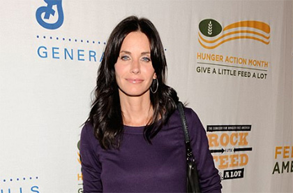 Courteney Cox se ve natural otra vez!! Habla de su cara!