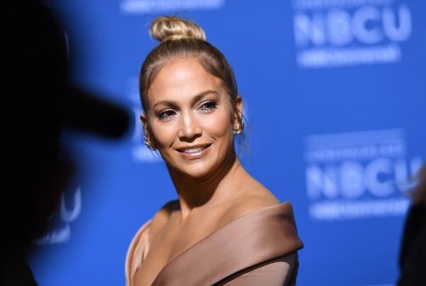 Jennifer Lopez contrató un detective para espiar a Alex Rodriguez? LOL!