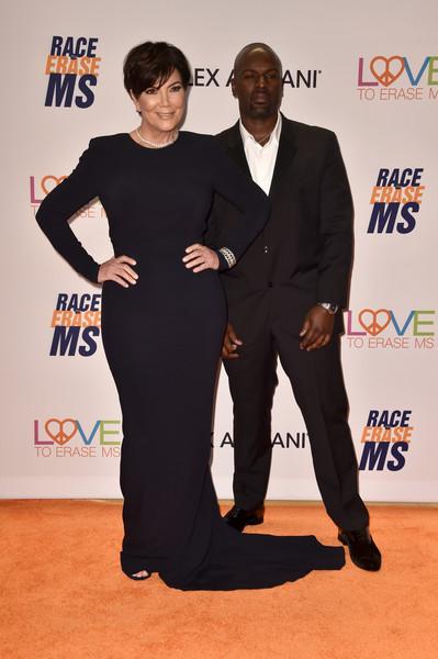 Corey Gamble ama el traserote de Kris Jenner! LOL!