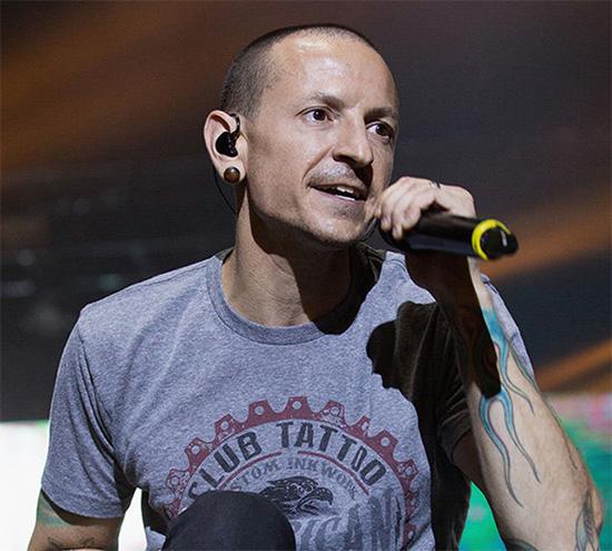 Linkin Park, Chester Bennington se suicidó!