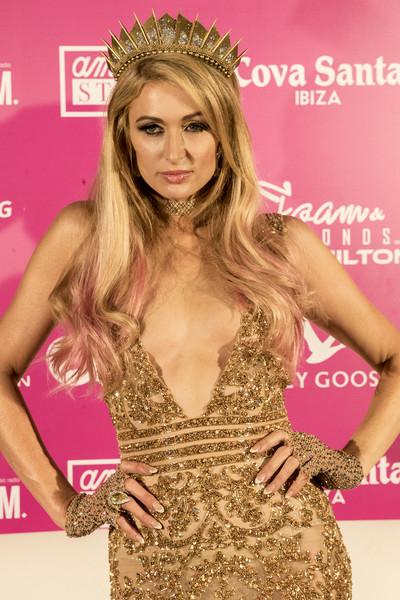 Paris Hilton feminista, defiende a Trump, se compara con Diana