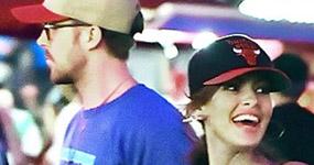 Eva Mendes y Ryan Gosling en Disneyland