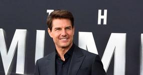 Tom Cruise usa trasero falso en sus películas? LOL!