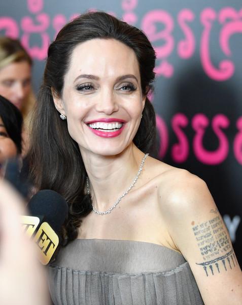 Angelina Jolie molesta porque le preguntan por Brad