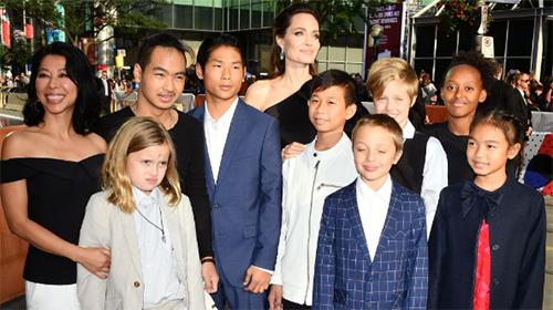 Angelina Jolie un poco más fuerte (People)