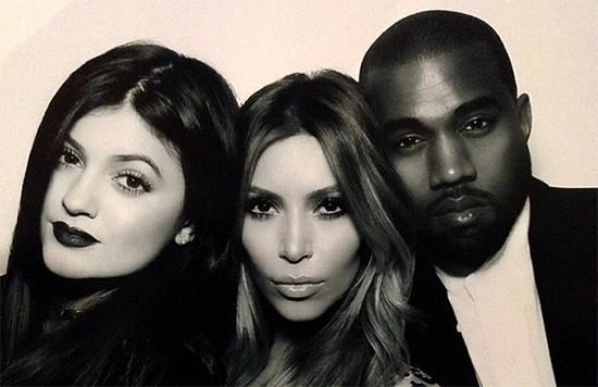 Kylie Jenner: la vientre de alquiler de Kim K? Konspiracy?