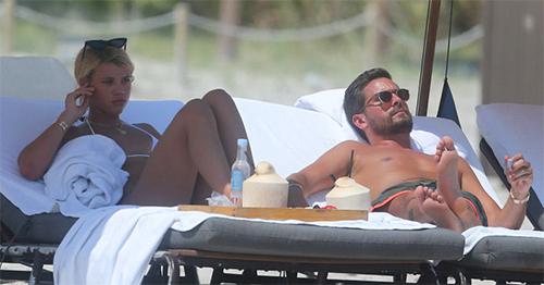 Scott Disick con Sofia Richie - se besaron en Miami!