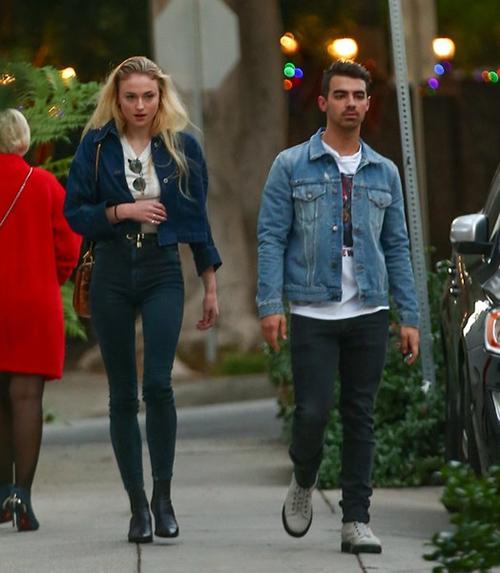 Joe Jonas y Sophie Turner comprometidos!!