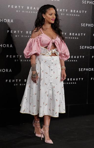Rihanna habla de su tipo de cuerpo, Instagram y más!