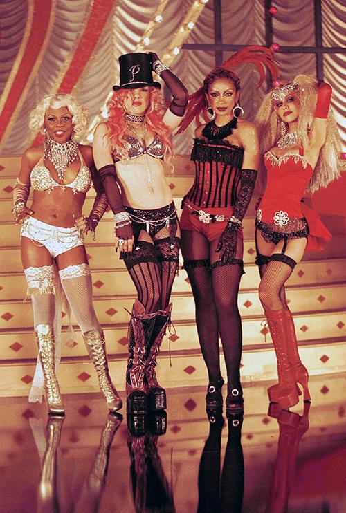 Pink revela que Christina Aguilera trató de golpearla una vez