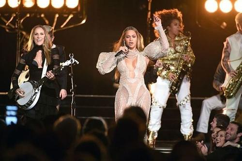 Las cantantes mejor pagadas Forbes: Beyonce, Adele, Taylor