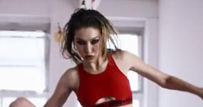 Las axilas peludas de Gigi Hadid! LOL!