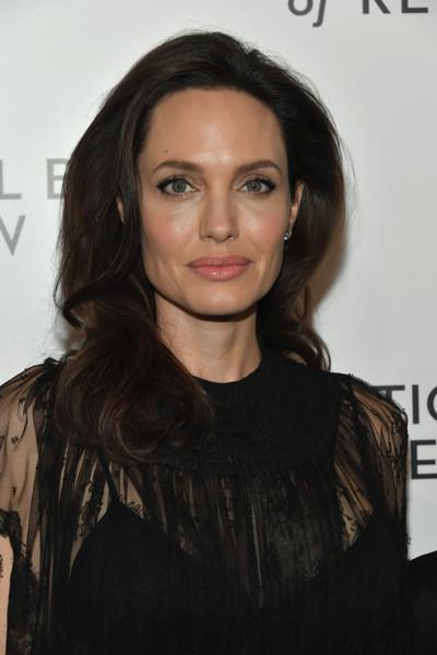 Gerard Butler reveló quien besa mejor, Angelina Jolie o Jennifer Aniston?