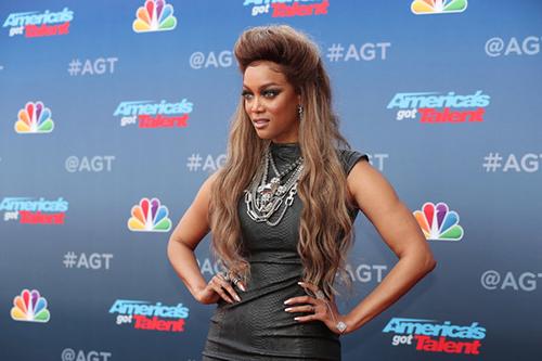 Tyra Banks revela cirugía plástica!