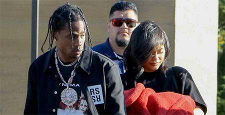 Kylie Jenner no necesita ocultar su cuerpo post parto, dice Travis Scott