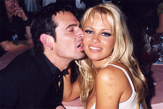 Tommy Lee y su hijo Brandon se pelean por Pamela Anderson!!