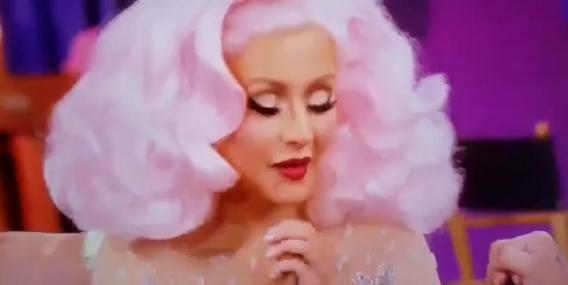 Christina Aguilera sacó del closet a un ex novio