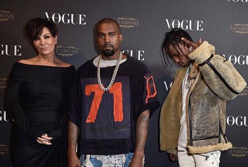 Kris Jenner, manager de Kanye y Travis? Kim publica foto familiar
