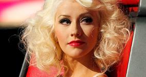 Christina Aguilera: The Voice ya no es sobre música. HA! Accelerate!