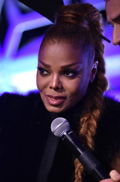 Janet Jackson llamó a la policía por la clave del WiFi. What? LOL!