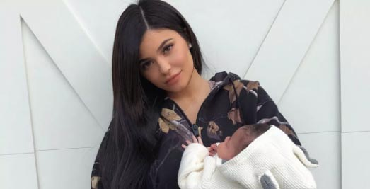 Kylie Jenner borra fotos de Stormi de Instagram. WHY?
