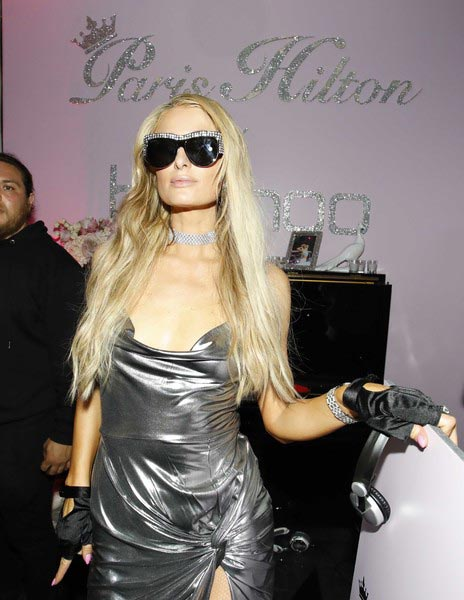 Paris Hilton aclara comentario sobre Lindsay Lohan PATHOLOGICAL LIAR!