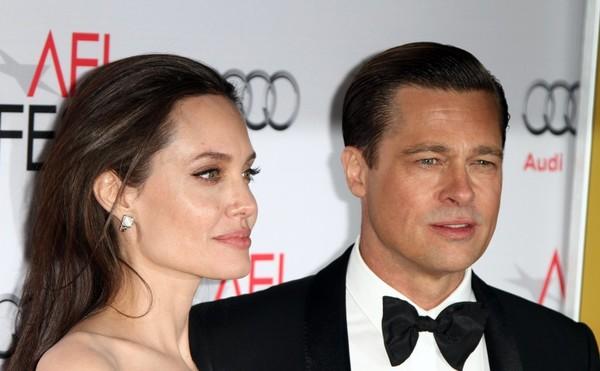 Angelina Jolie quiere divorciarse de Brad Pitt YA! Para estar soltera!!