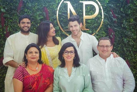 Nick Jonas y Priyanka Chopra celebran compromiso en India