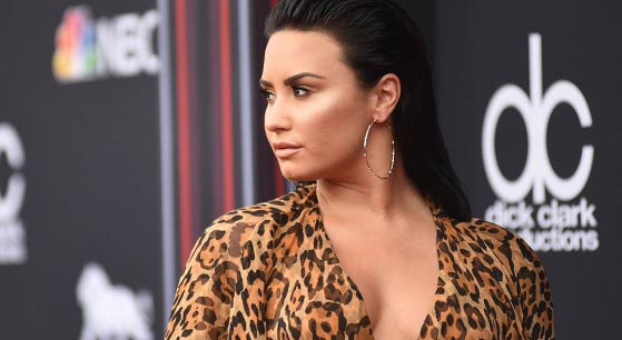 Demi Lovato recibirá tratamiento por varios meses