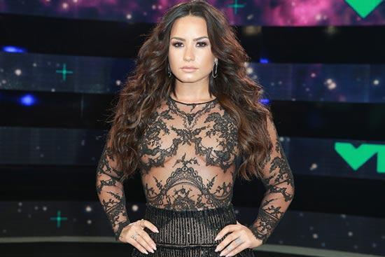 Demi Lovato accedió a entrar a Rehab!