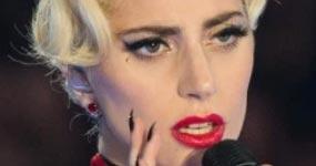 Lady Gaga lamenta la muerte de Zombie Boy