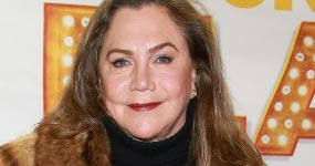 Kathleen Turner sobre: Jack Nicholson, Elizabeth Taylor, Friends y más!
