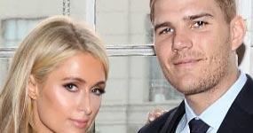 Paris Hilton cambia la fecha de su boda