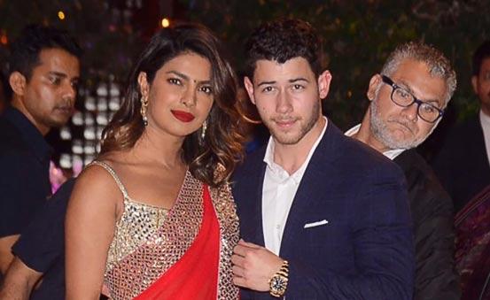 Familia de Nick Jonas va a la India a conocer a la familia de Priyanka