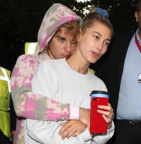 Justin Bieber y Hailey Baldwin acordando un prenup?